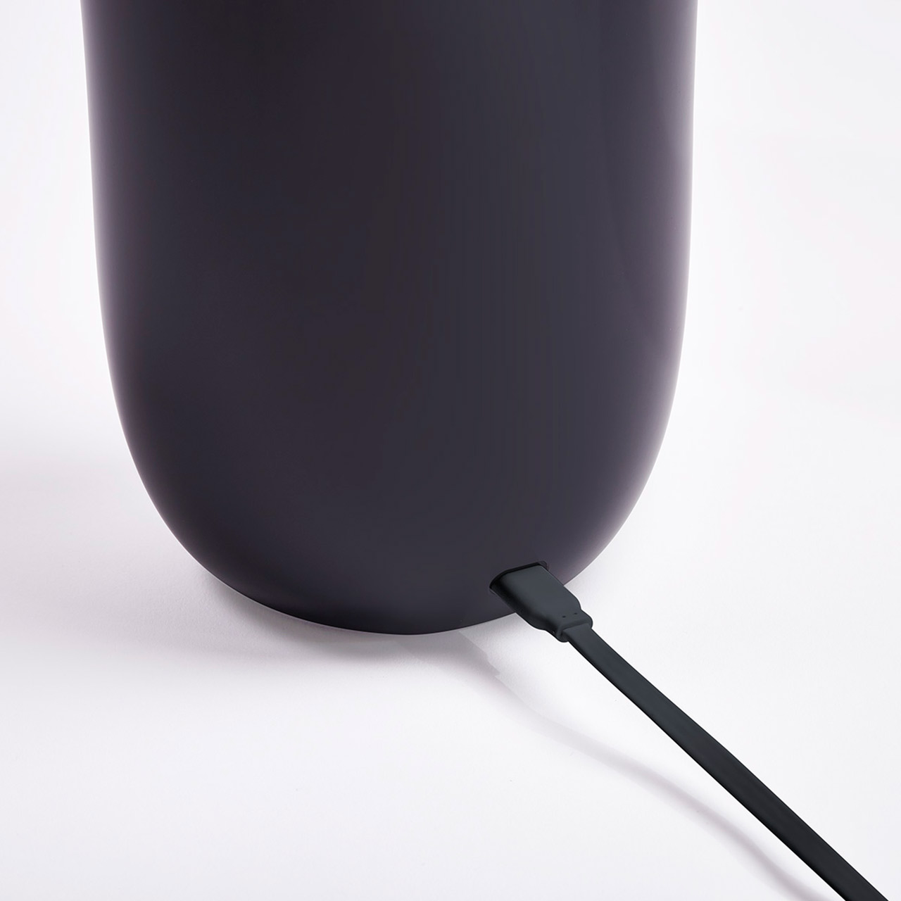 LEXON Oblio UV-C Sanitizing Qi Charging Station Black | The Design Gift Shop