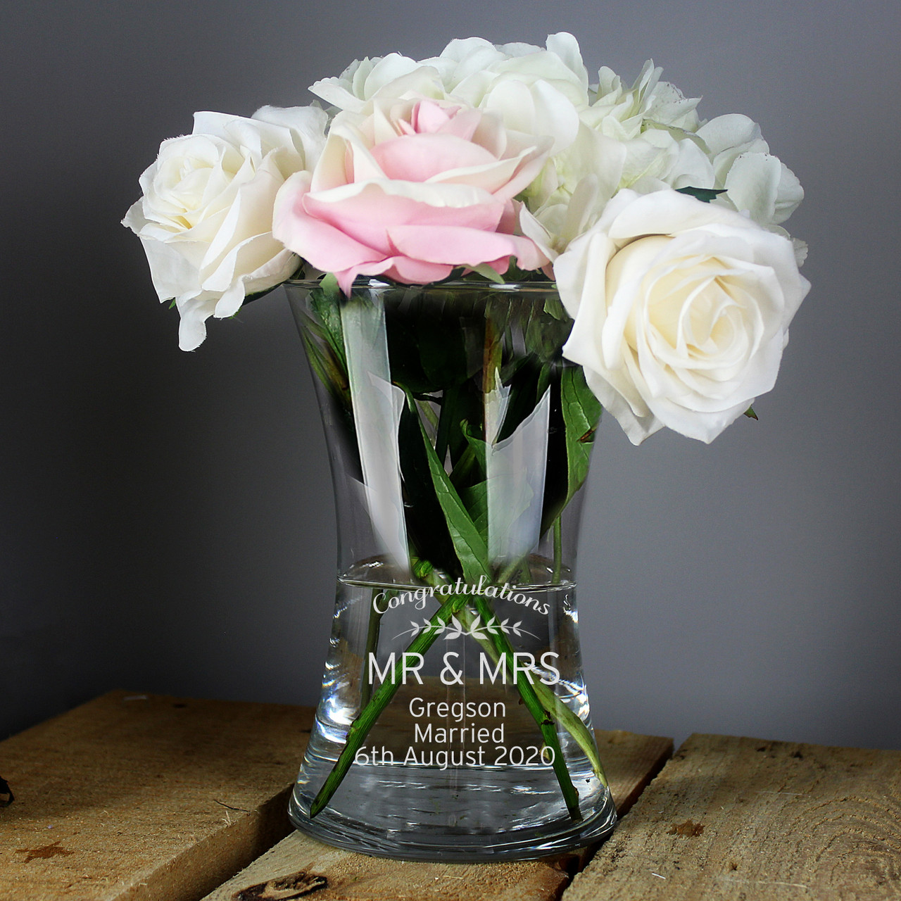 NEW PERSONALISED BULLET VASE PICK FROM 4 DESIGNS WEDDING MOTHER ANNIVERSARY GIFT