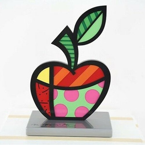 BIG APPLE SCULPTURE BY ROMERO BRITTO