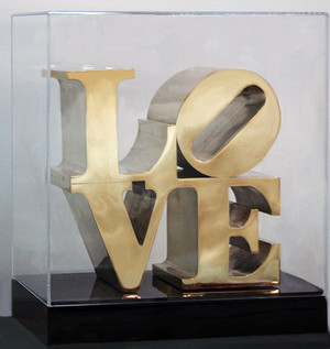 LOVE (SCULPTURE) BY ROBERT INDIANA