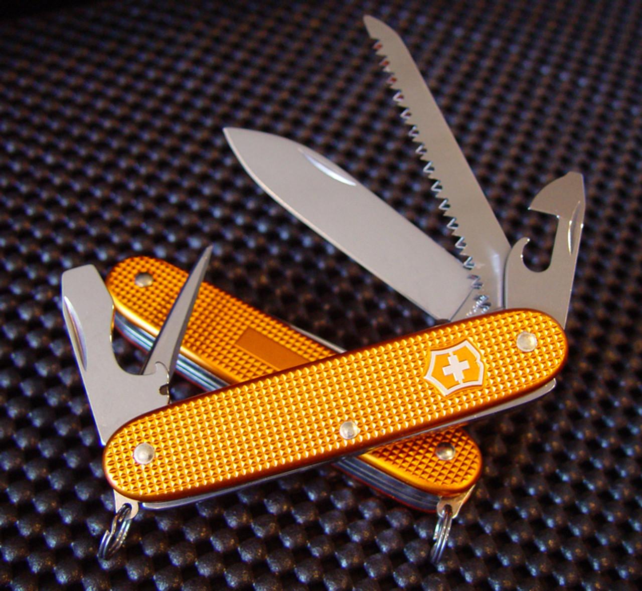 Victorinox Swiss Army 0 8241 281RO Farmer 93mm (3 66