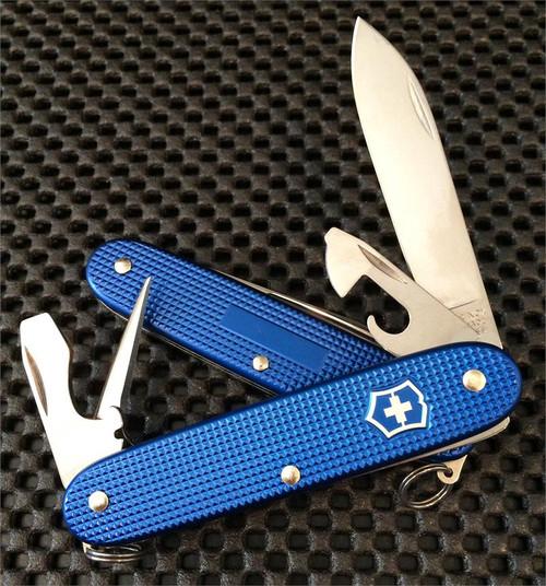 VICTORINOX SWISS ARMY 0.8201.22R BLUE ALOX PIONEER 93MM. CUTLERY SHOPPE