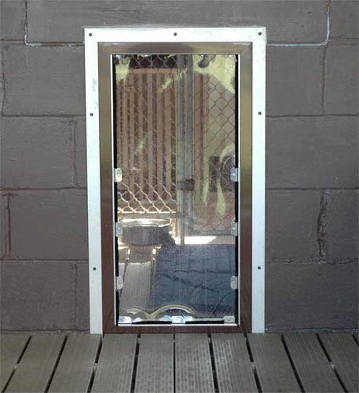 3 sided exterior professional kennel door