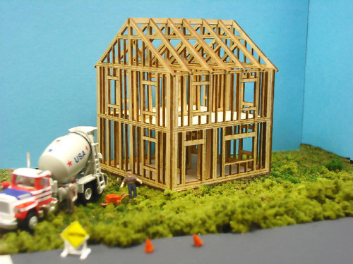 Train Time Laser HO Scale House Under Construction Kit