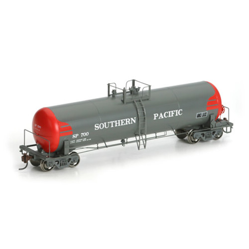 Athearn N Scale RTC 20,900-Gallon Tank, SP/Fuel Tender #700
