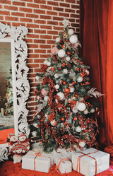 5 Benefits of Artificial Christmas Trees