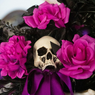 Haunted Hill Farm Haunted Hill Farm 1.25-ft Halloween Bouquet Decoration Piece with Black and Pink Flowers and Skull, HHBOQSKL-1