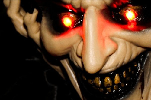 10 Best Scary Halloween Decorations and Props You Can Buy For Your Home