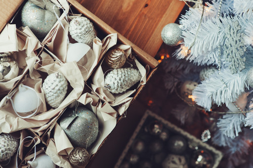Our Expert  Holiday Decoration and Storage Tips