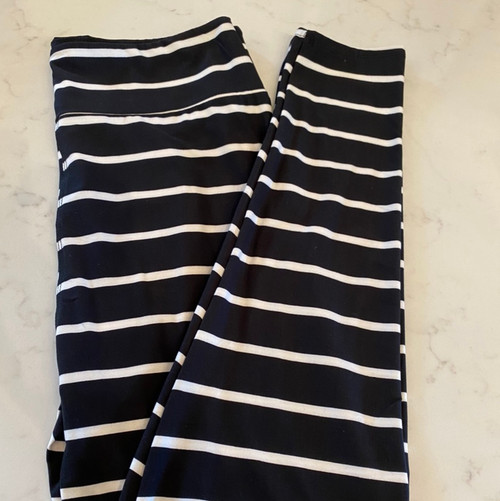 W B&W Stripe Leggings