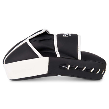Fumetsu Shield Focus Mitts Black/White