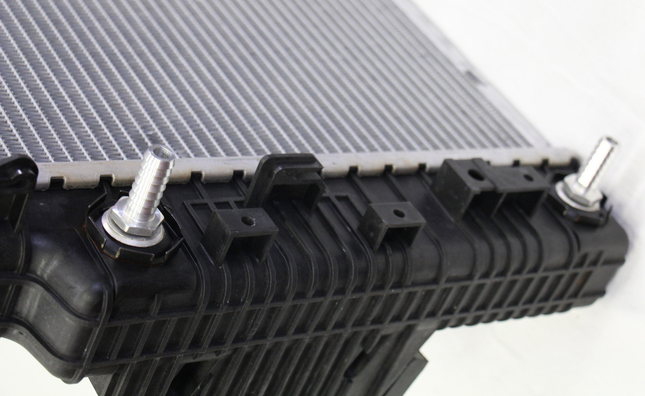 F450 F550 2008 F350 New Replacement Radiator for Ford 6.4L Powerstroke F250 2009 2010