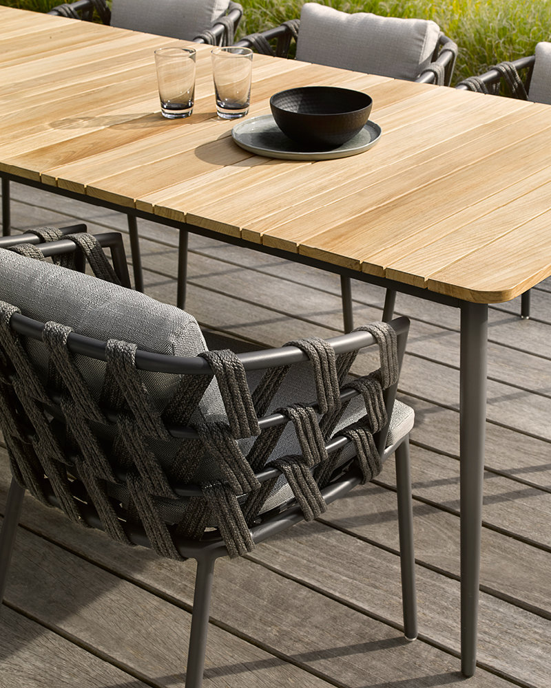 vincent-sheppard-leo-dining-chair-table.jpg