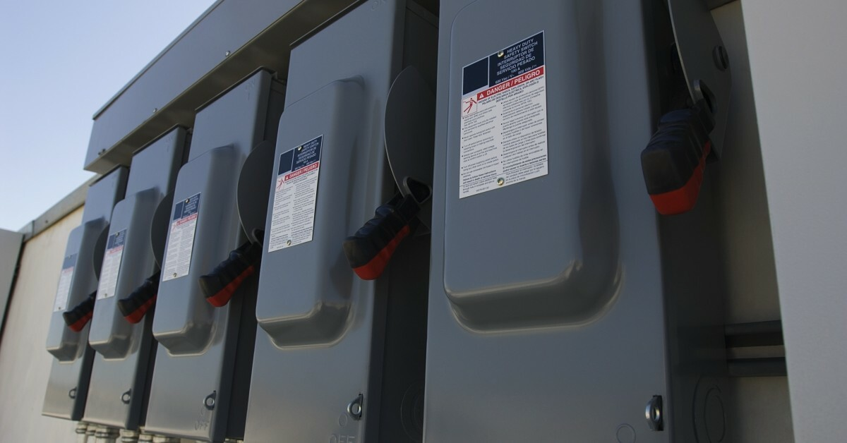 7 Safety Tips For Working With Circuit Breakers