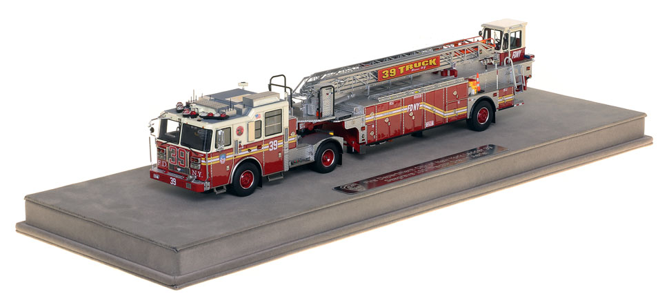 FDNY Ladder 39 scale model includes a fully custom case.