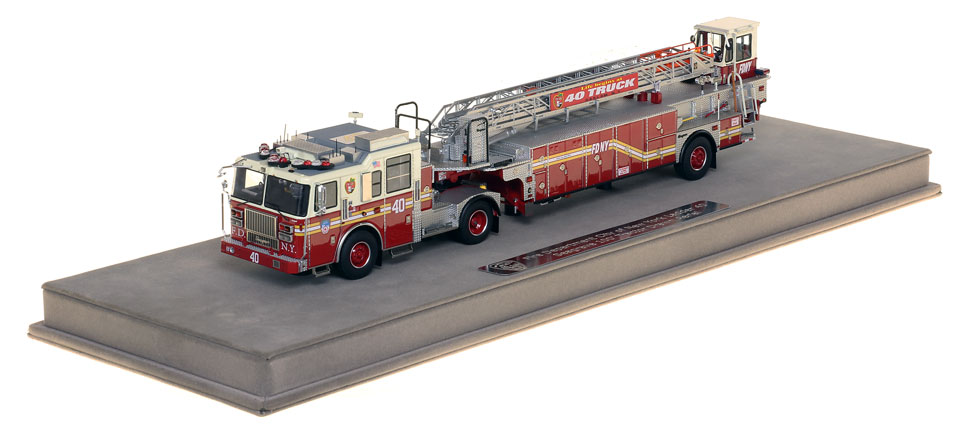 FDNY Ladder 40 scale model includes a fully custom case.