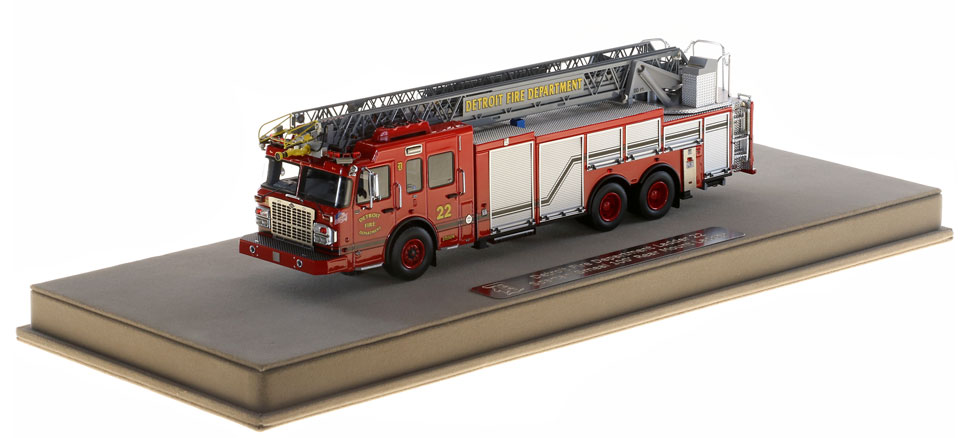 Detroit Ladder 20 includes a fully custom disProduction of Detroit Ladder 22 is limited to 125 units.play case.
