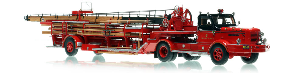 Chicago Hook & Ladder Company 32 - FWD 85' Tractor-Drawn Aerial scale model