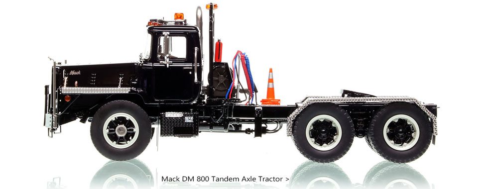 Order your Mack DM 800 1:50 scale model today!