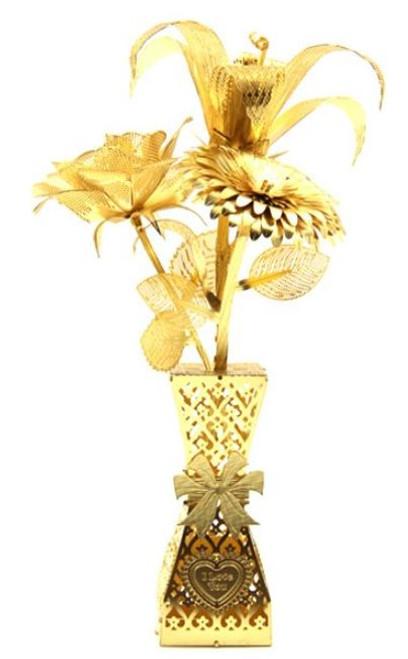 """Romantic Flowers"" Gold Metal Model Kit | Microworld"