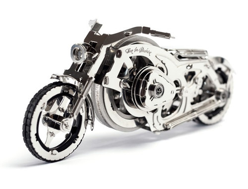 """Chrome Rider"" Mechanical Metal Model Kit 