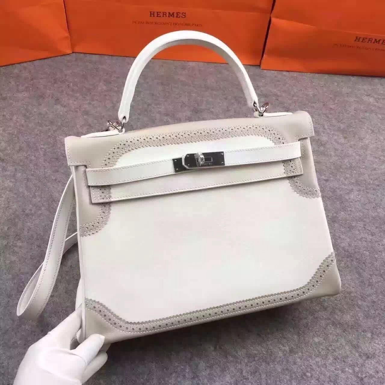 0e4c3437084 Hermes Limited Edition Blanc   Gris Perle Ghillie Kelly 32cm Swift  Palladium Hardware