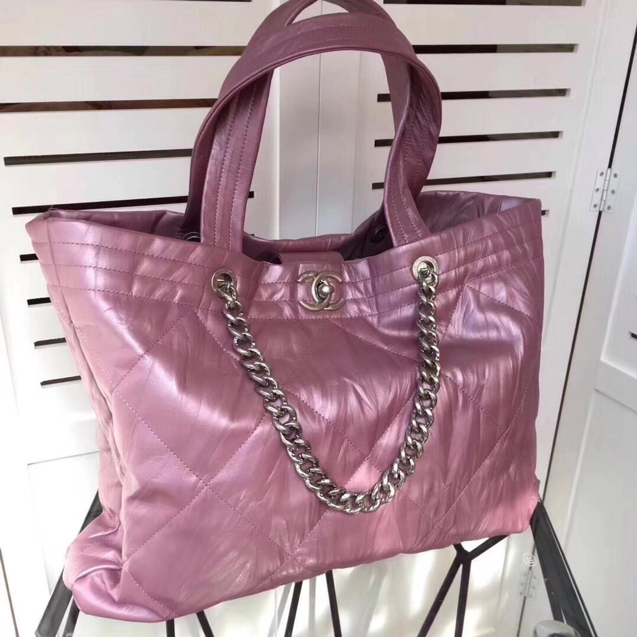1cb9b30445d7 Chanel Hobo Handbag Pink F/W 2017 - Bella Vita Moda