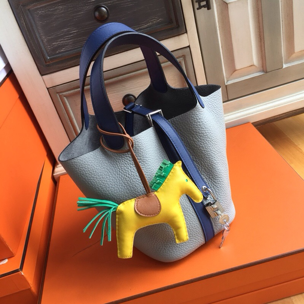 c6b4b821109a Hermes Pearl Grey  Blue Saphir Picotin Lock MM Togo Leather Bag ...