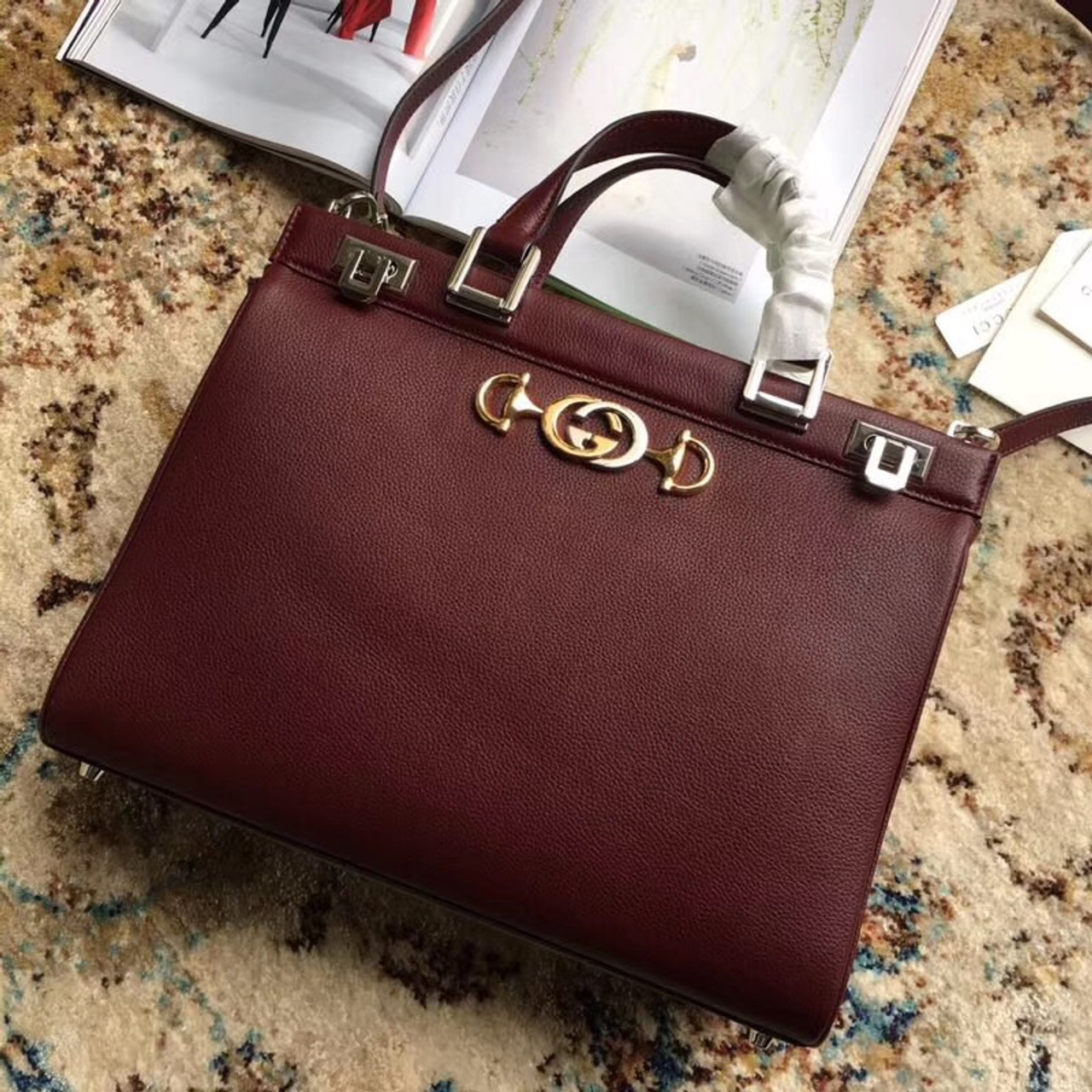 91b8f35523f6 Gucci Zumi grainy leather medium top handle bag Burgundy - Bella ...
