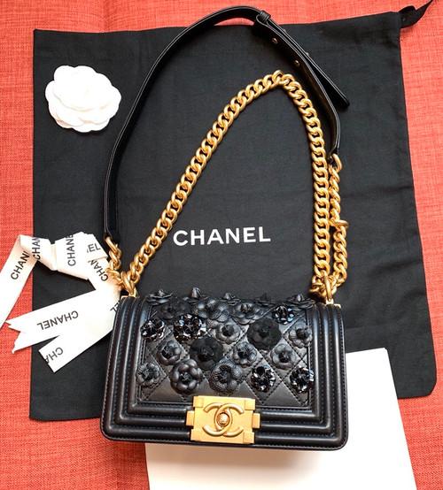 1b8525895975 Chanel Limited Edition Embroidered Small BOY CHANEL Handbag 2019 ...
