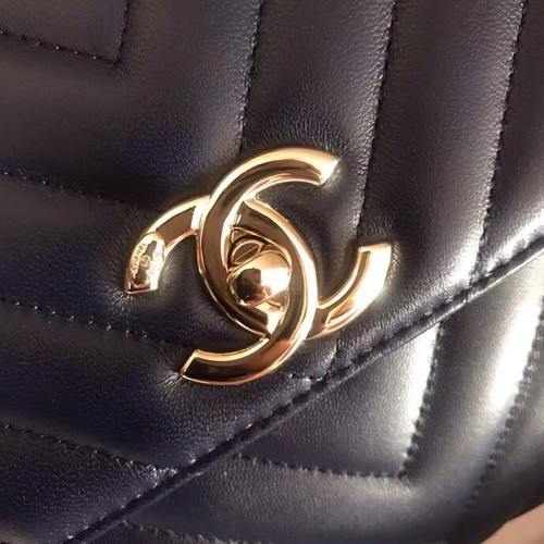 Chanel Small Flap Bag With Top Handle 2019 A69923 Black