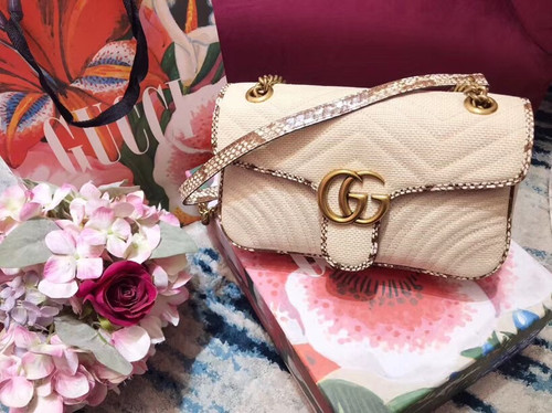 Gucci GG Marmont Beige raffia small shoulder bag