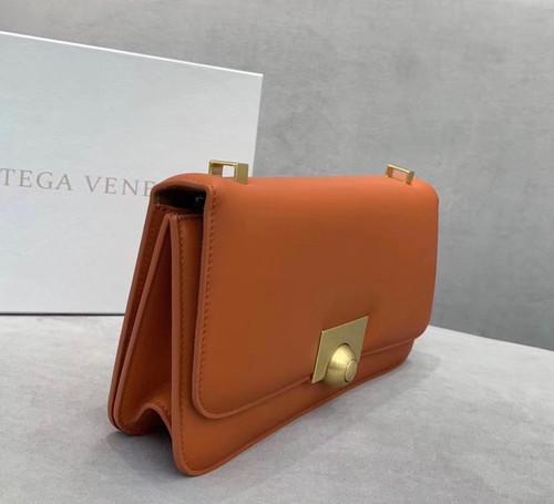 Bottega Veneta BV CLASSIC BAG IN FRENCH CALFSKIN Burned Orange