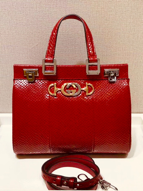 Gucci Red Zumi snakeskin medium top handle bag