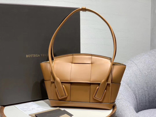 Bottega Veneta ARCO 33 BAG IN FRENCH CALFSKIN Wood