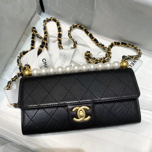Chanel Clutch with Chain AP1001