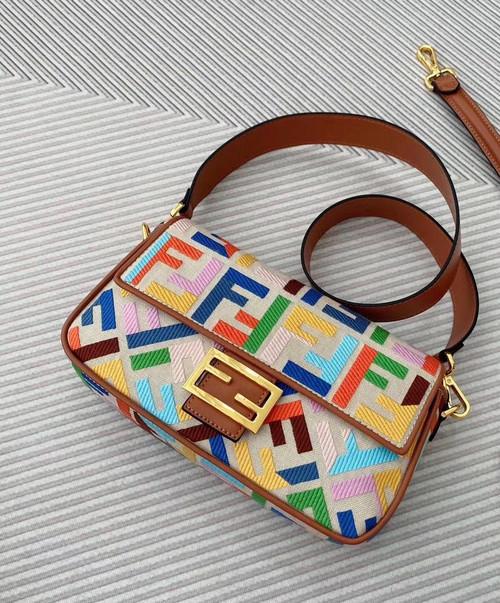 Fendi  BAGUETTE Beige canvas bag