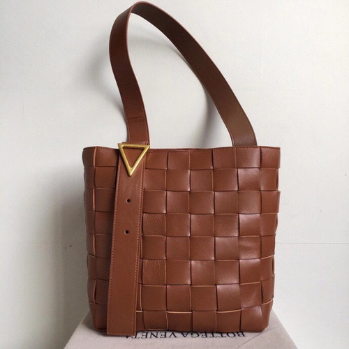 Bottega Veneta MAXI SHOULDER BAG BROWN