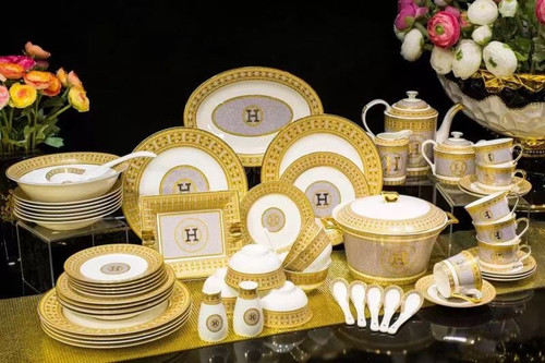 Hermes Mosaique au 24 Gold 58 Piece Table Wear set