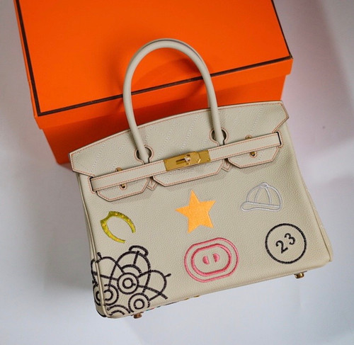 [Exclusive] Hermes Birkin Banane In-The-Loop 30 cm Embroidered Limited Edition Bag Togo Leather Gold Hardware