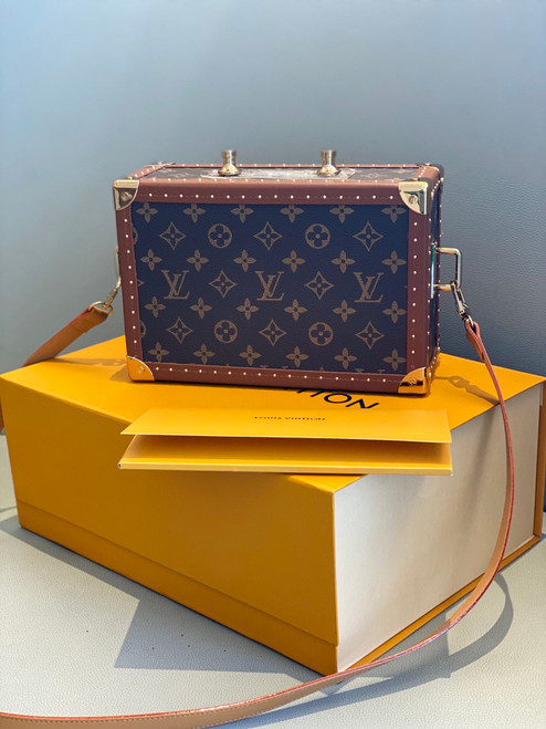 Louis Vuitton Portable Clutch Speakers