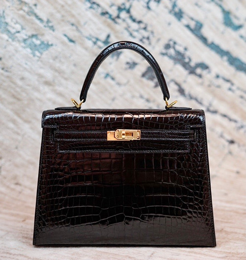 Hermes Black Alligator KELLY 25 WITH GOLDHARDWARE