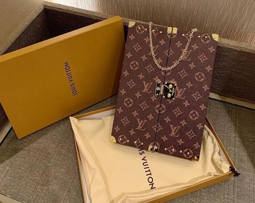 Louis Vuitton GI0554  HOME MIRROR TRUNK