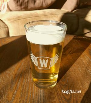 Motorcycle Pint Glass - Personalized  - Beer Glass - Beer Mug - Groomsmen Gifts - Craft Beer  - Beer Stein