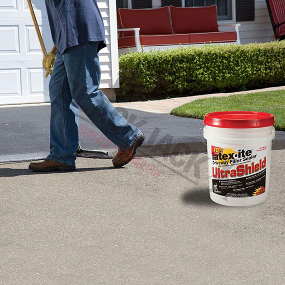 Latex·ite® Ultra Shield Tarmac Sealer Being Applied