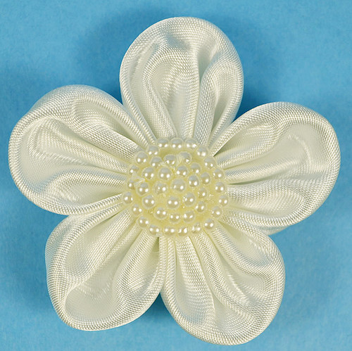 """2.5"""" Ivory Satin Flowers with Pearl - Pack of 12"""