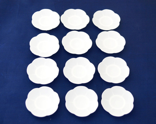 """3"""" White Party Favor Plastic Scalloped Edge Plate - Pack of 576 Count"""