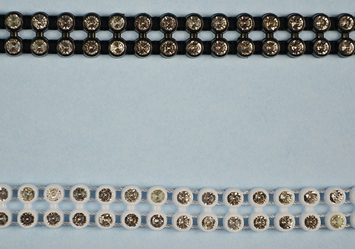 SS8 2.5 mm Plastic Trimming Chain with Rhinestones 10 Yards Long