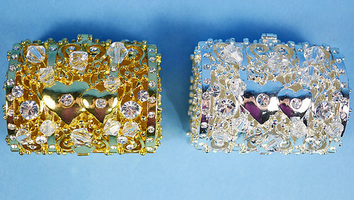 "2-1/4"" Treasure Chest Crystal Arras Box Set with Hearts"