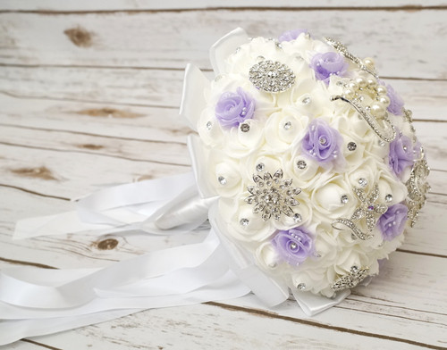 Custom Mis Quince Anos Brooch Foam Bouquets - Minimum of 10 Quinceanera Bouquets